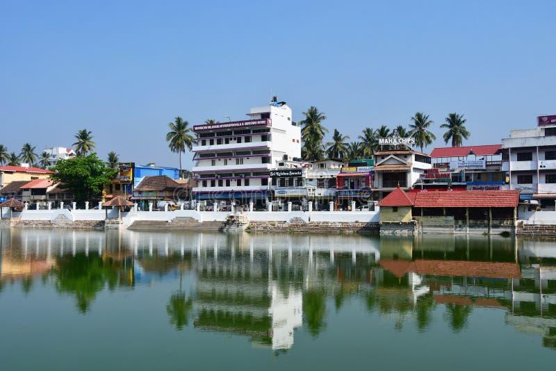 ¹ antapuraá ‰ ¹ Trivandrum Tiruvaá, Керала, Индия, 12-ое марта 2019 Пруд для омовений перед виском Vishnu, Padmanabha стоковое изображение