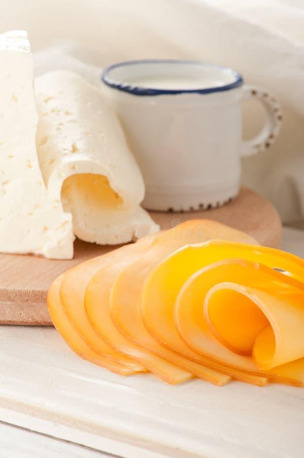 ¡ De Ð heese et lait pour le déjeuner photos libres de droits