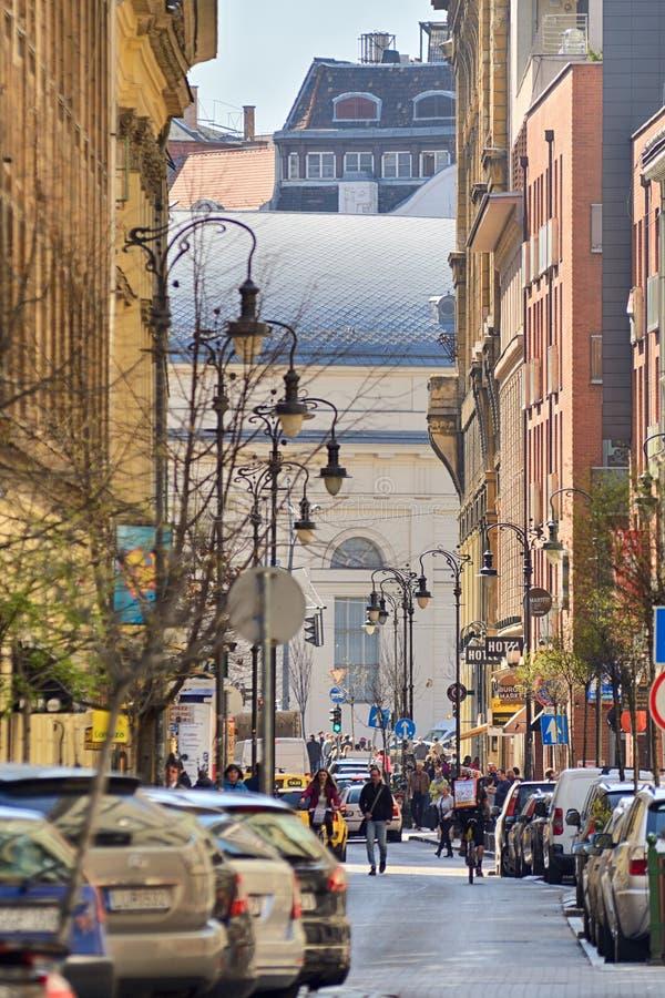 ¡ LY de Kirà da rua movimentada em Budapest foto de stock royalty free