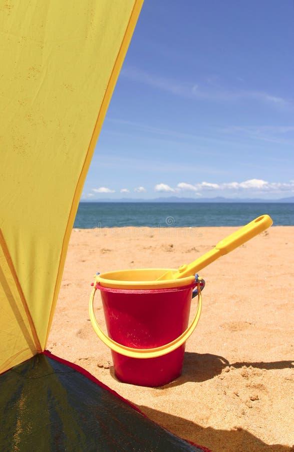 ¡Día de fiesta en la playa! foto de archivo