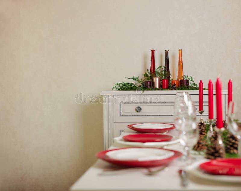 ¡Feliz Navidad y Feliz Año Nuevo! Тable que fija la decoración festiva foto de archivo
