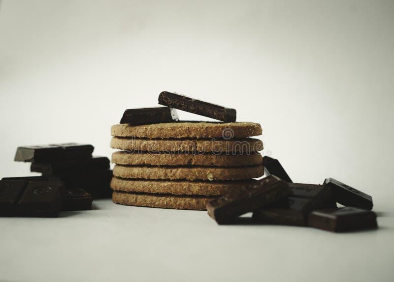 ¡Intente algunos chocolates y galletas! fotografía de archivo