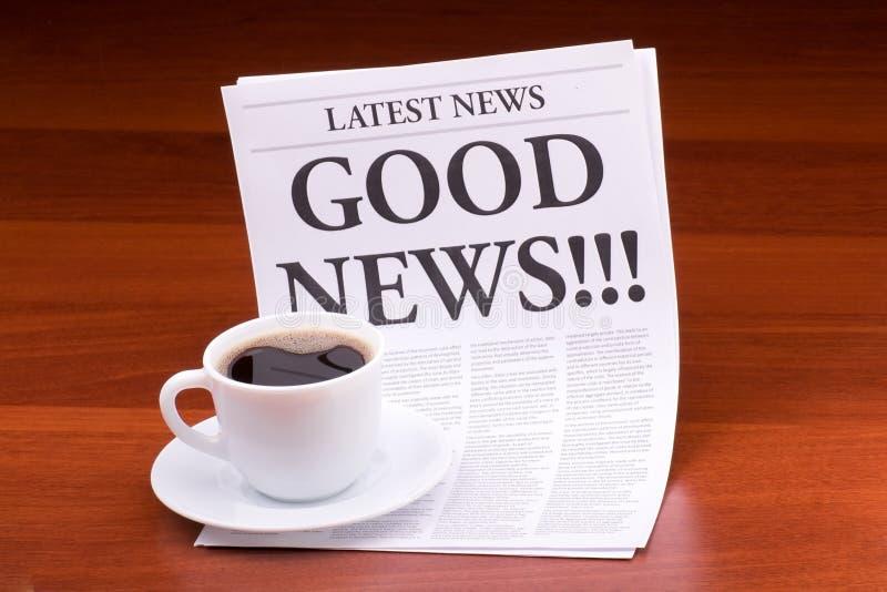 ¡Las BUENAS NOTICIAS del periódico!!! fotos de archivo