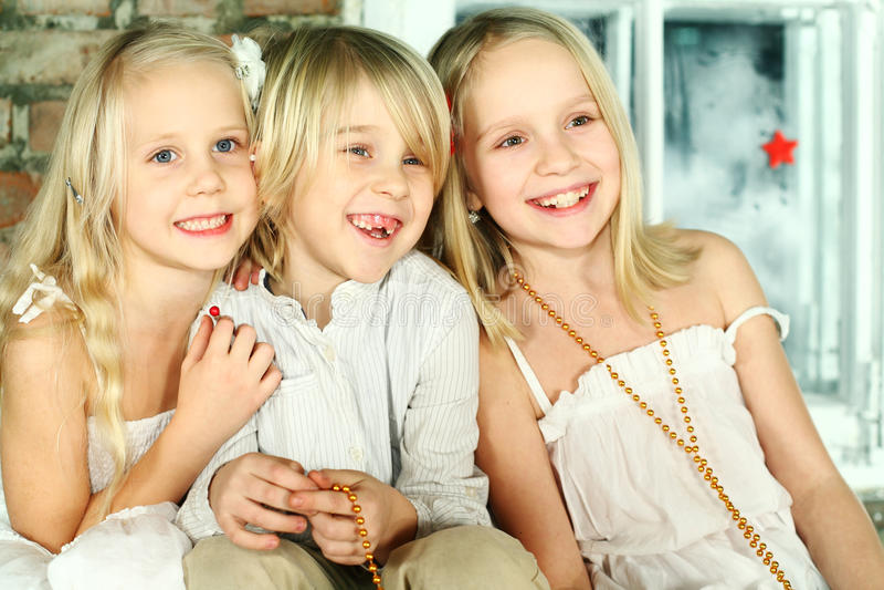 ¡Niños de la Navidad - diversión! fotografía de archivo libre de regalías