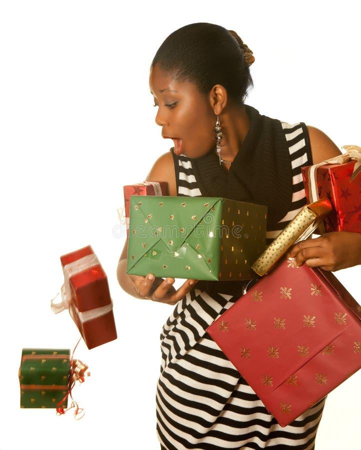 ¡Oops! regalos de Navidad que caen foto de archivo