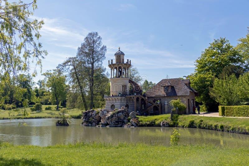 """¢s Amleto, piccolo villaggio del """"del ¬â del 'di Queenââ intorno al grande lago al palazzo reale di Versailles accanto a piccolo immagini stock libere da diritti"""
