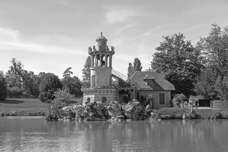 """¢s Hamlet, pequeño pueblo del """"del ¬â del 'de Queenââ alrededor del lago grande en el palacio real de Versalles al lado de peque fotografía de archivo"""