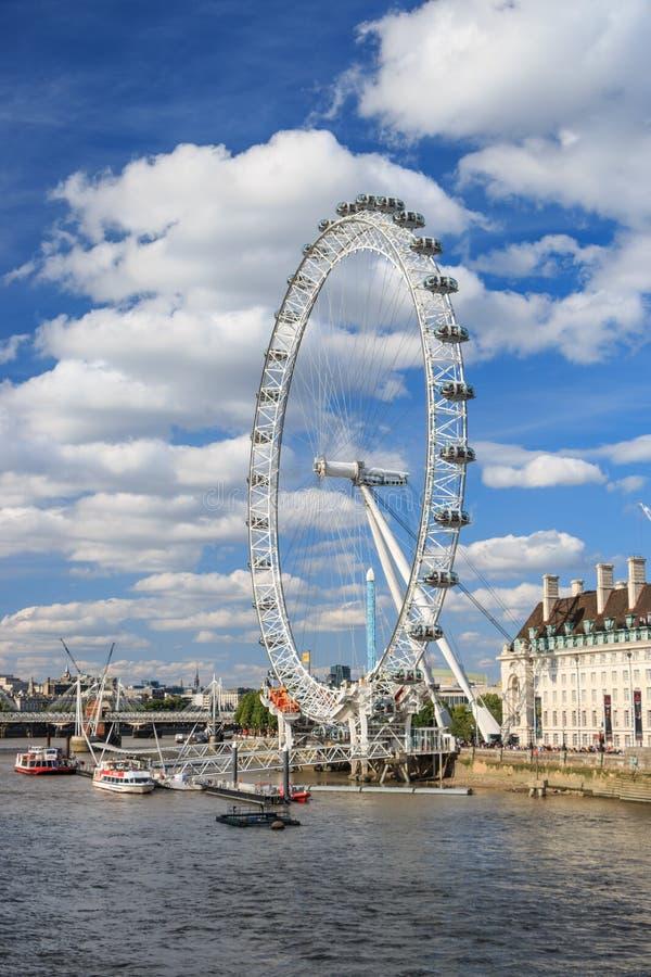 """³ Ð"""" аРdel ¹ Ð del  киРdel ½ Ñ del ¾ Ð del ½ Ð'Ð del ¾ Ð del› Ð dell'occhio Ð di Londra· fotografie stock"""