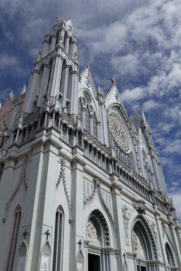³ superior frontal n Guanajuato del en Leà del templo El Expiatorio del esquinada de Vista fotos de archivo