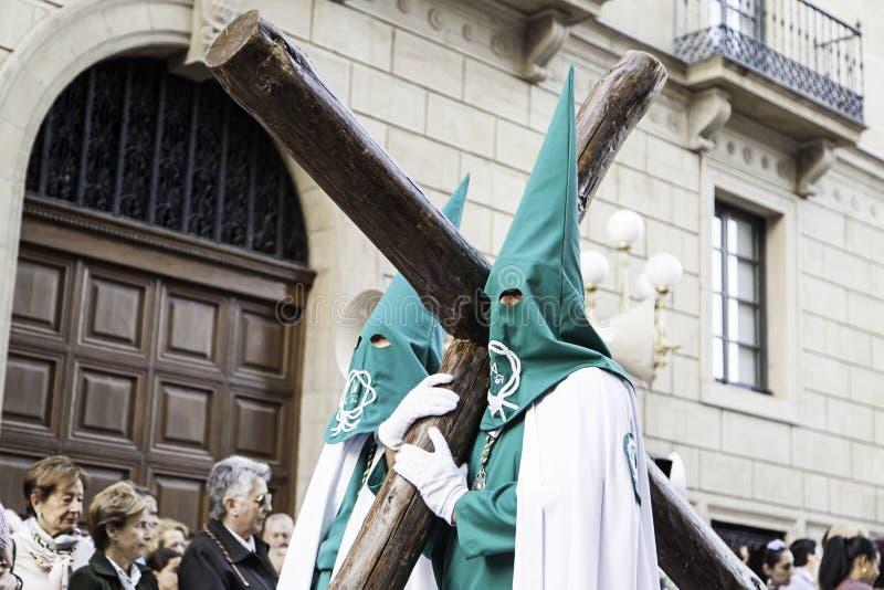 ½ O, LA RIOJA, ESPAÑA del ¿de LOGROï - 15 de abril: Semana santa, procesión religiosa de la tradición con la gente en trajes típi fotografía de archivo