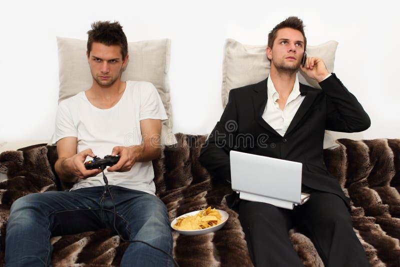 ¿PC Gamer u hombre de negocios? imagenes de archivo