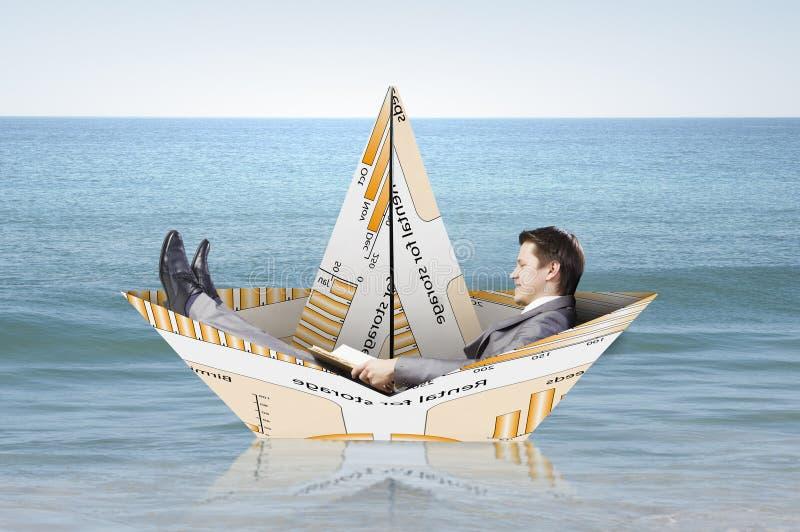 À bord du bateau de papier Media mélangé photographie stock libre de droits