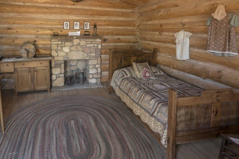 À l'intérieur d'un bluff reconstitué Utah de centre de visiteur de fort de bluff de cabine images libres de droits