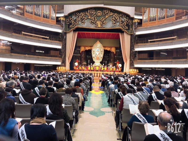À l'intérieur d'un temple bouddhiste image libre de droits