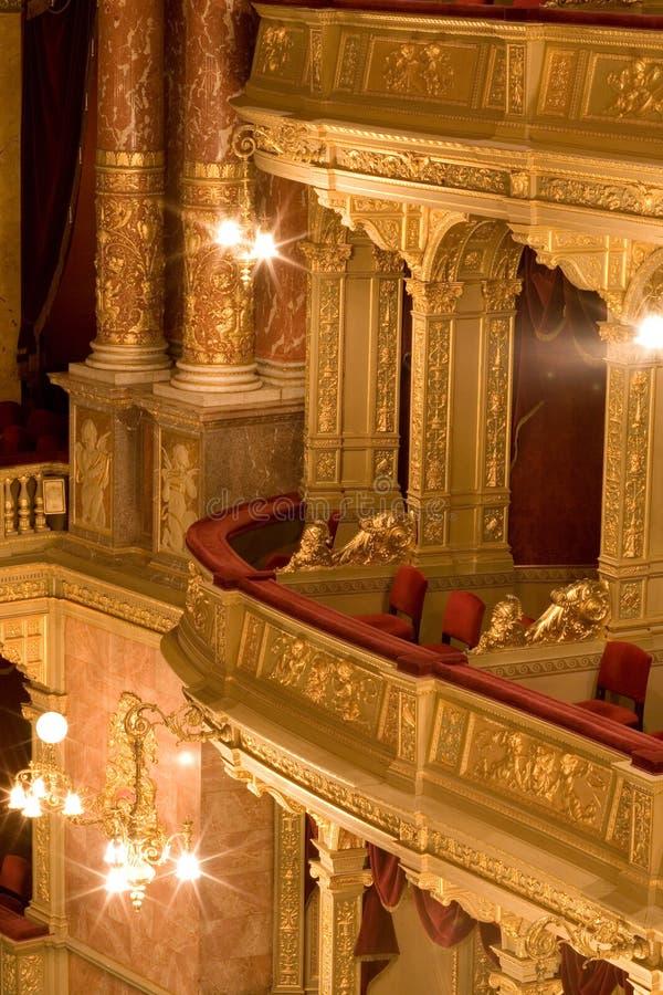 À l'intérieur d'un vieux théâtre image stock
