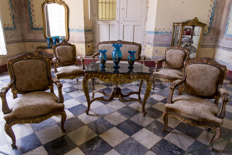 À l'intérieur d'une vieille maison coloniale - Trinidad Cuba photographie stock