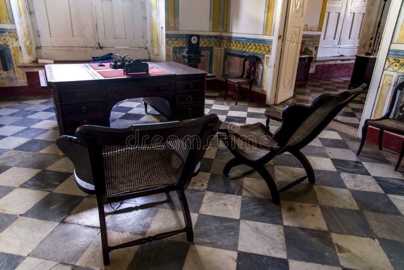 À l'intérieur d'une vieille maison coloniale - Trinidad Cuba photographie stock libre de droits