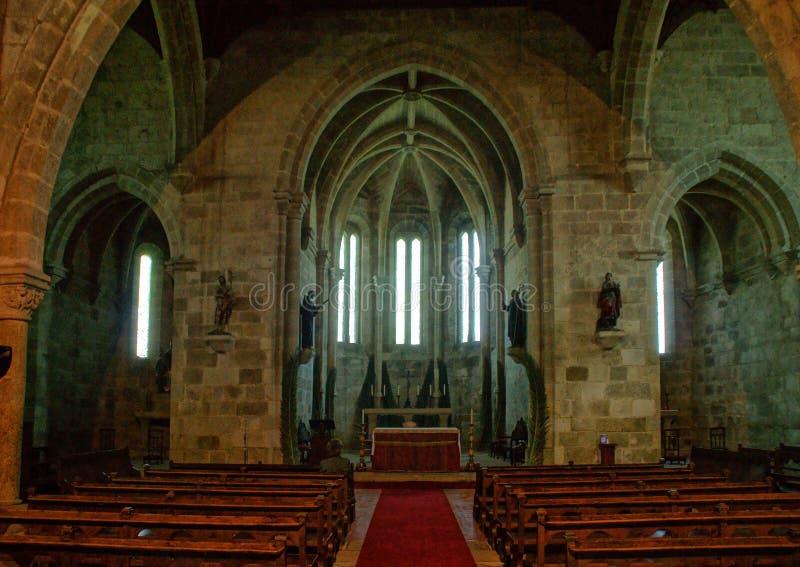 À l'intérieur de l'église de Santa Clara à Vila do Conde photos libres de droits