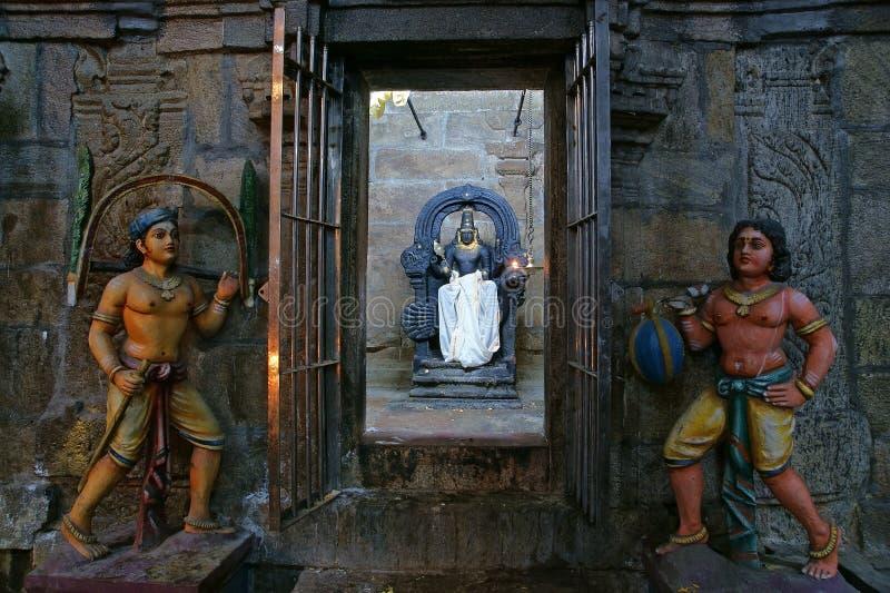 À l'intérieur de du temple hindou de Meenakshi à Madurai, Inde du sud photo libre de droits