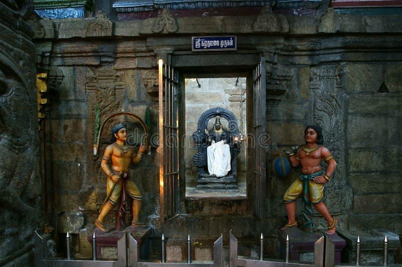 À l'intérieur de du temple indou de Meenakshi à Madurai, l'Inde photographie stock libre de droits