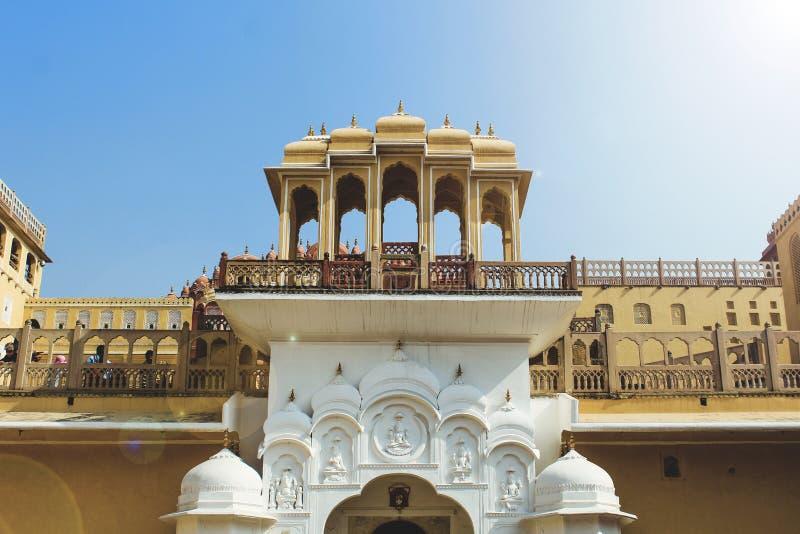 À l'intérieur de Hawa Mahal ou du palais des vents à Jaipur Inde Il est construit avec du sandston rouge et rose photo stock