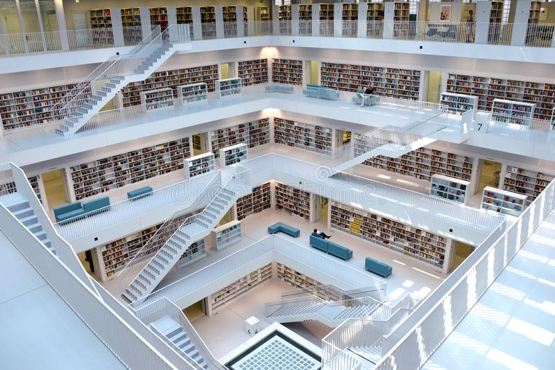 À l'intérieur de la bibliothèque de Stuttgart photo stock