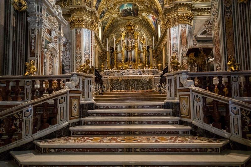 À l'intérieur de la cathédrale de basilique chez Monte Cassino Abbey l'Italie photo libre de droits