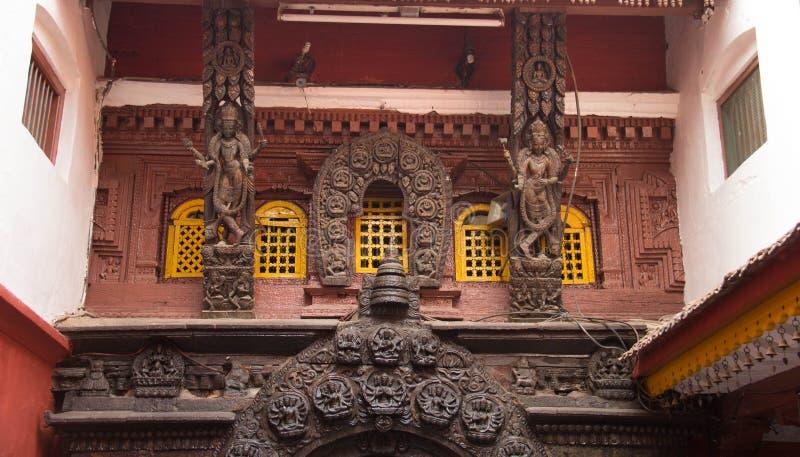 À l'intérieur de la maison du Kumar local à Katmandou photographie stock