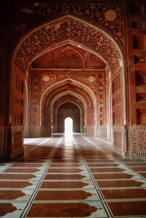 À l'intérieur de la mosquée en complexe de Taj Mahal, Âgrâ, Inde photo libre de droits