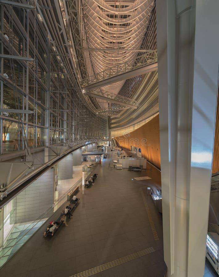 À l'intérieur de la vue du forum international de Tokyo construit en 1996 par Urugua image libre de droits
