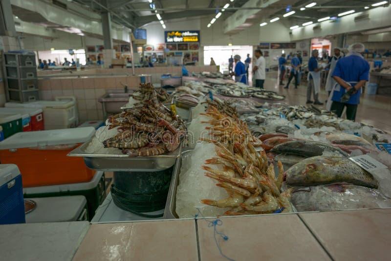 à l'intérieur de Mina Fish Market en Abu Dhabi photo stock
