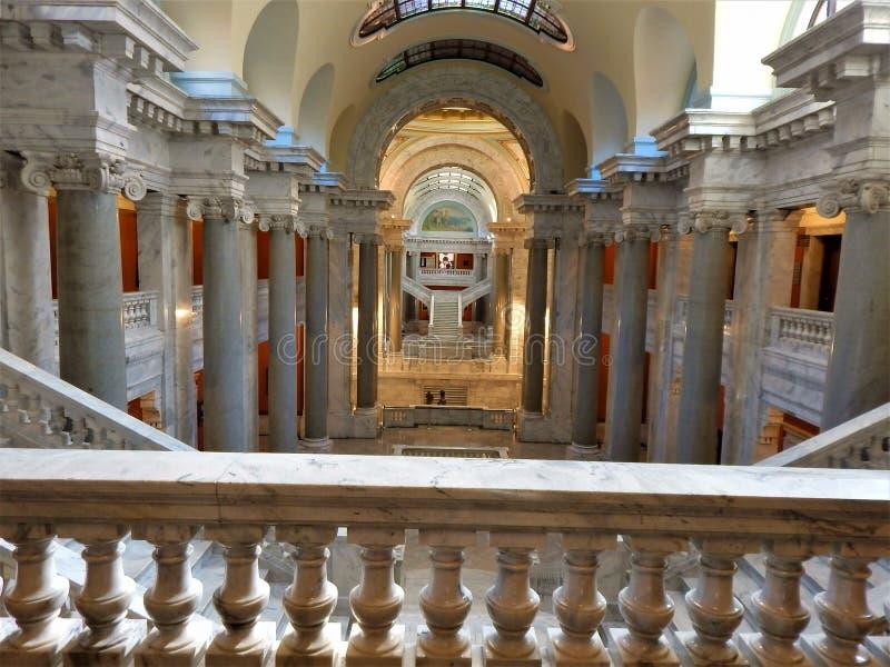 À l'intérieur du bâtiment de capitol d'état du Kentucky images libres de droits