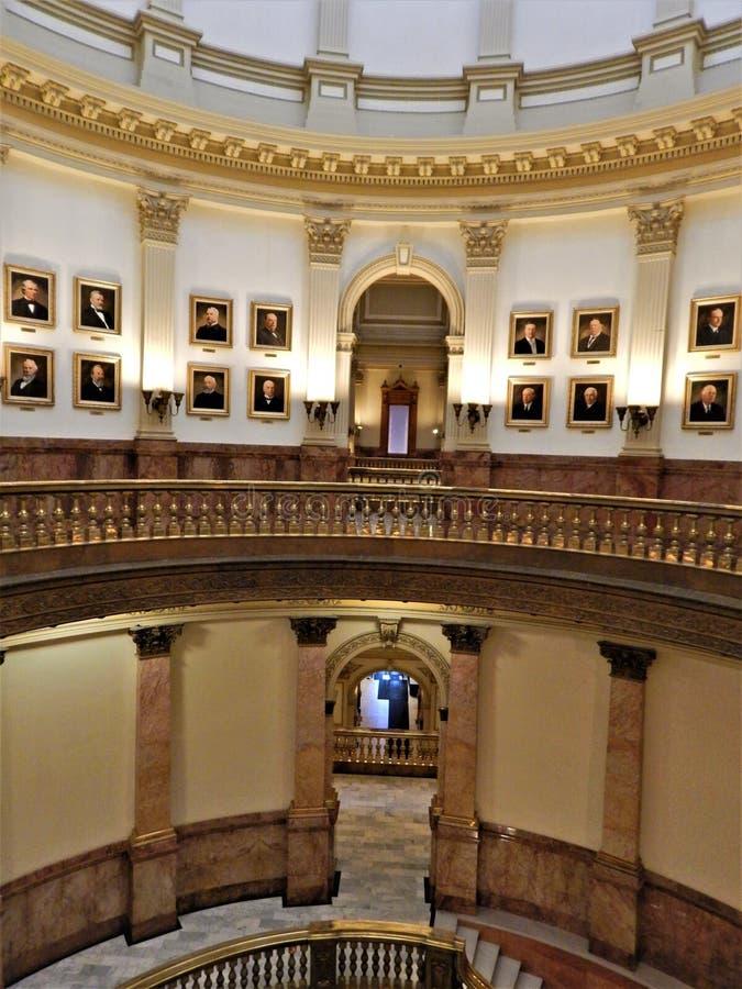 À l'intérieur du capitol du Colorado rotunda photos stock