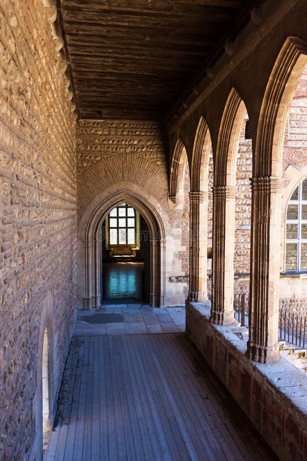 À l'intérieur du château de citadelle de 13ème siècle en France images libres de droits