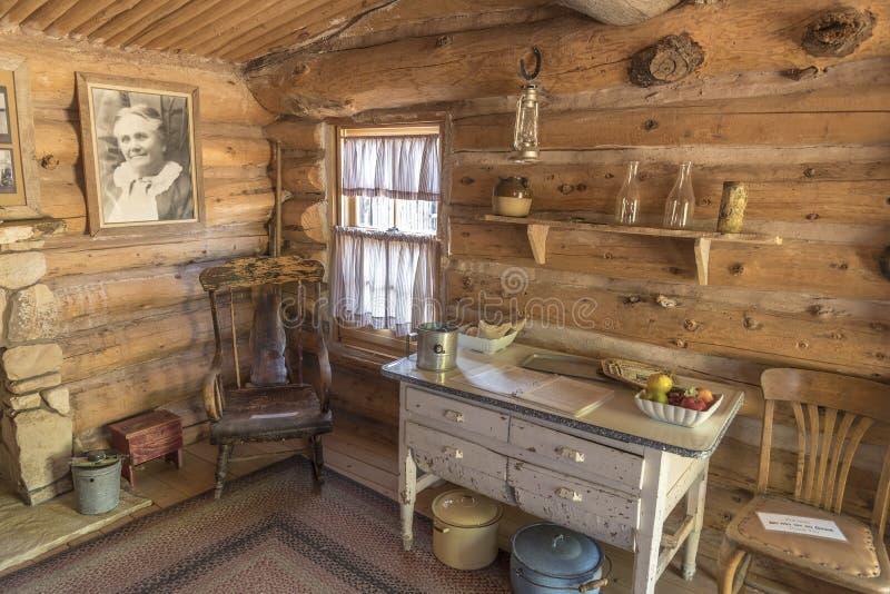 À l'intérieur du fort reconstitué Utah de bluff de cabine photographie stock libre de droits