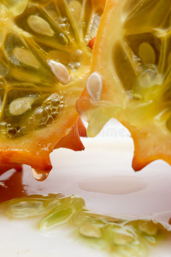 Download À l'intérieur du Kiwiano photo stock. Image du fruit, plaque - 56368