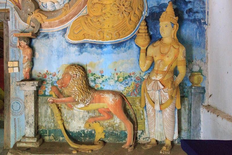 À l'intérieur du temple royal de roche de Pidurangala - Sri Lanka image libre de droits