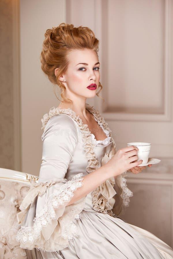 A à l'intérieur tiré dans le style de Marie Antoinette photo stock