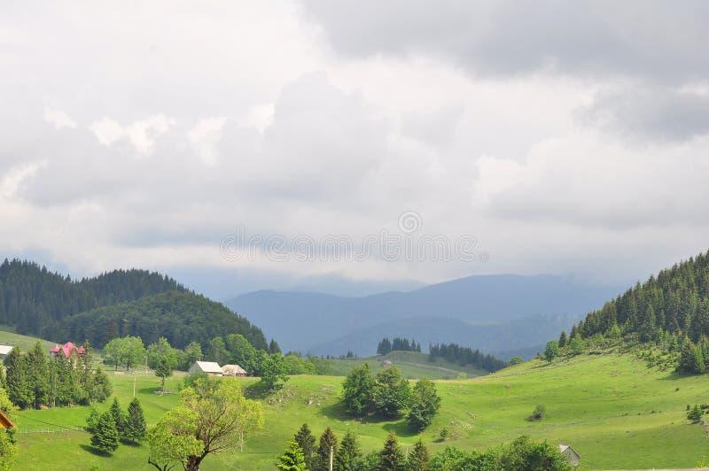 À la montagne image stock