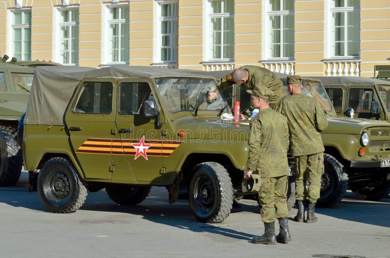 À la veille du défilé à Victory Day photos libres de droits