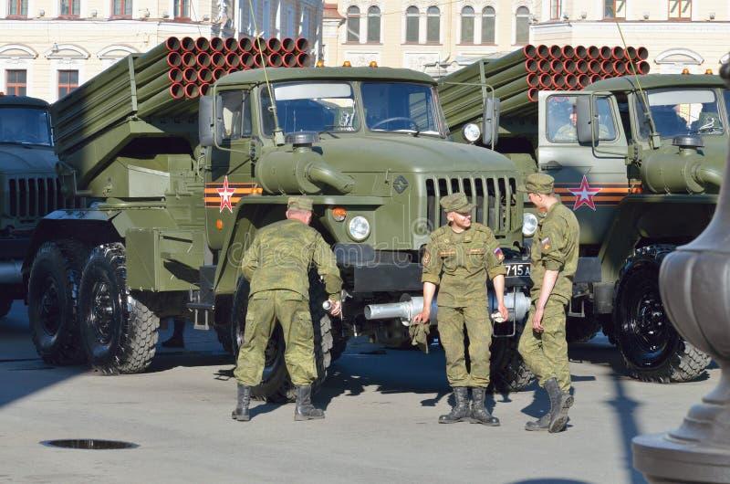 À la veille du défilé à Victory Day images stock