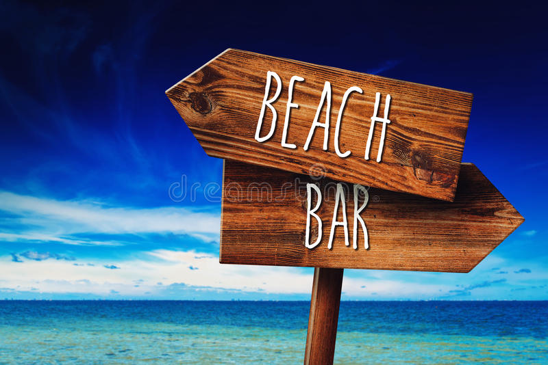 À praia ou à barra imagem de stock