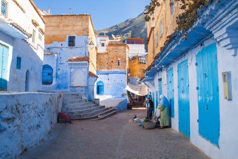 África, Marrocos, chefchaouen, montes e casa 2013 imagem de stock