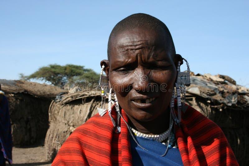 África, Tanzânia, mulher adulta do retrato fotos de stock