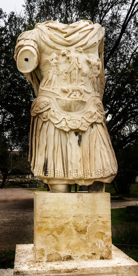 Ágora antiga Atenas Grécia de Roman Emperor Hadrian Armour Statue imagens de stock