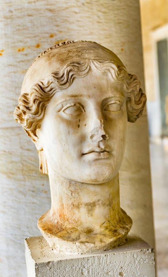 Ágora antiguo Atenas GR de Nike Goddess Victory Statue Stoa Attalos imagenes de archivo