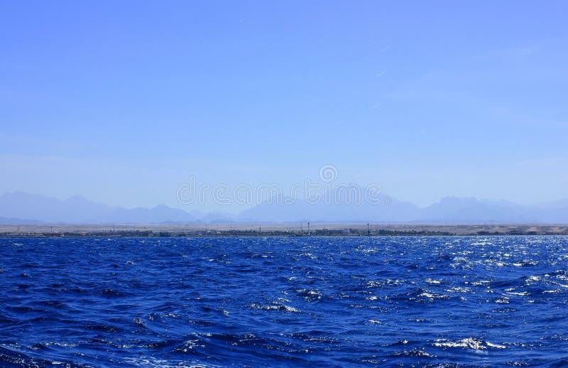Água azul do mar imagem de stock