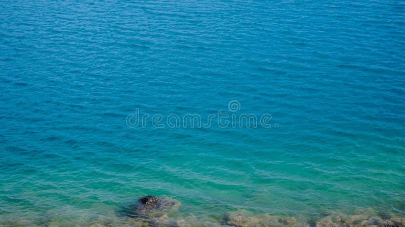 Água azul do oceano fotografia de stock royalty free