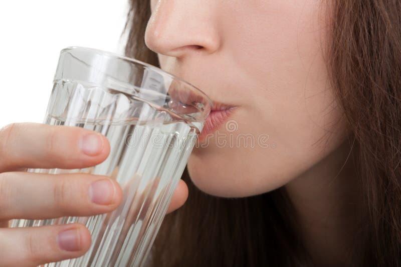 Água bebendo das mulheres imagem de stock
