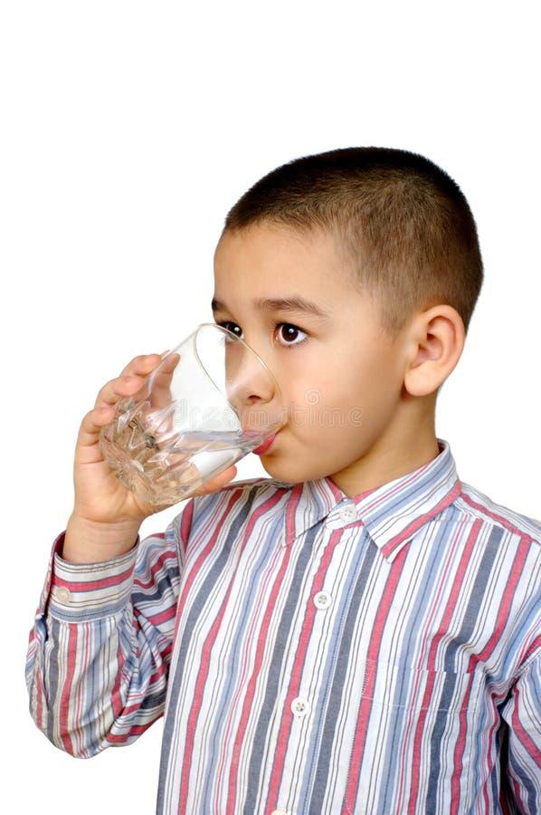 Água bebendo do miúdo imagem de stock royalty free
